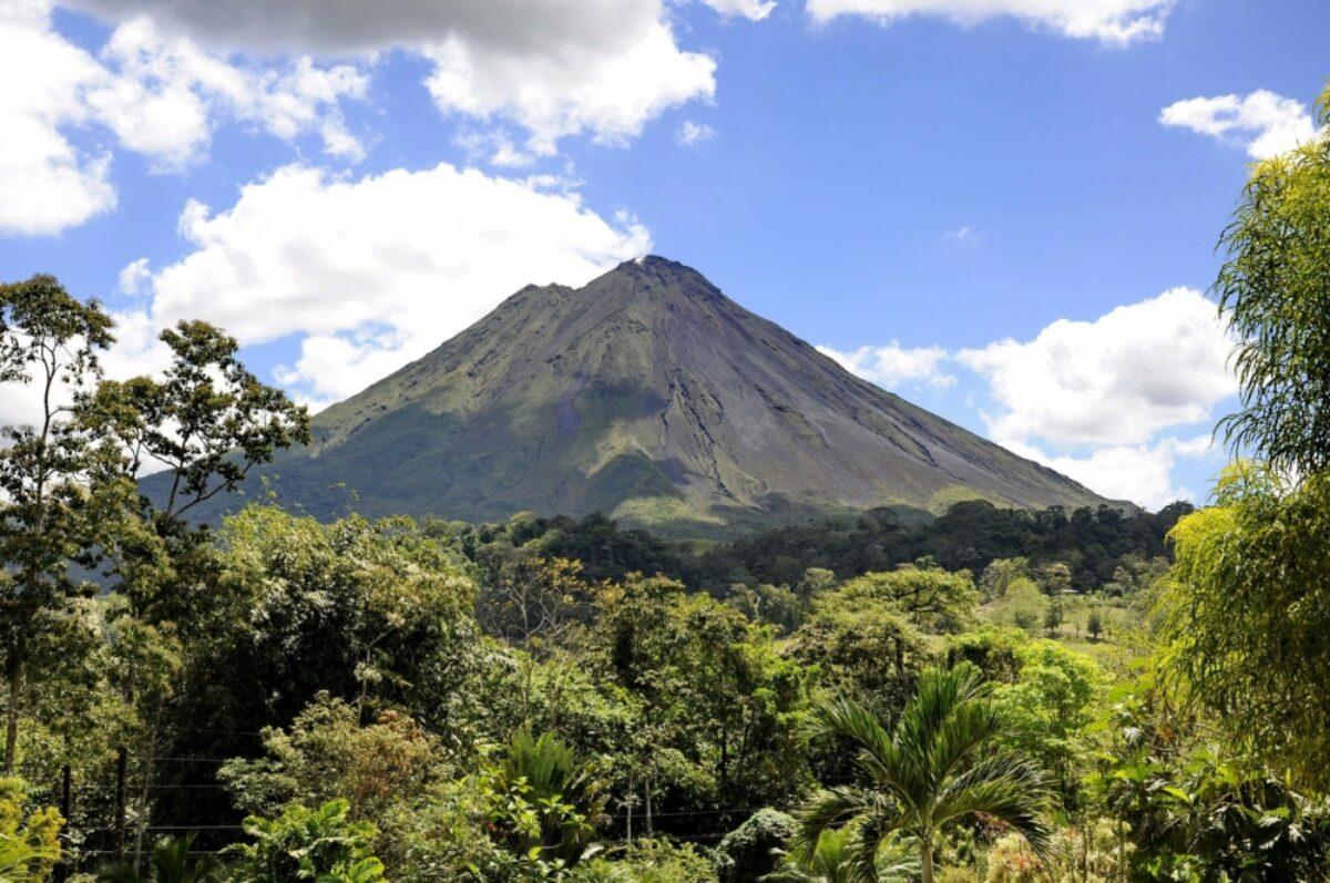 Costa Rica Arenal Volcano2