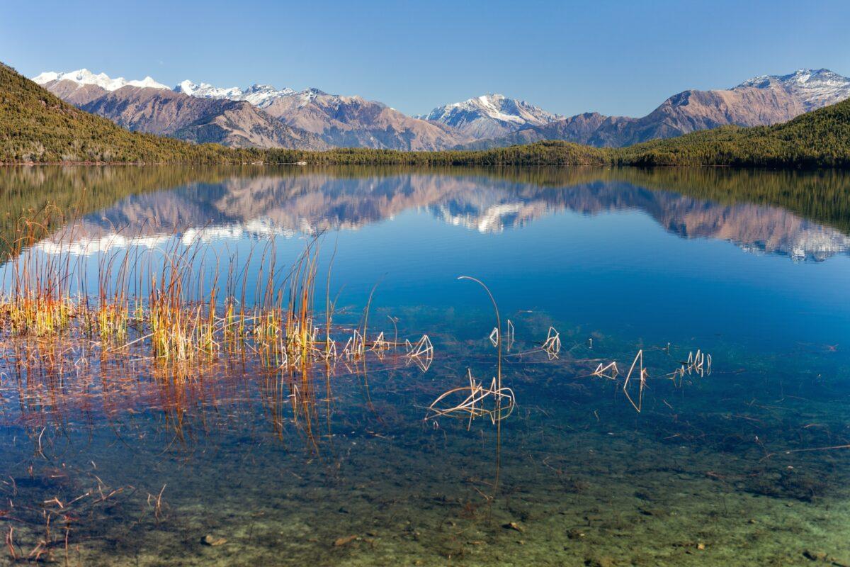 Far-West_Rara-lake
