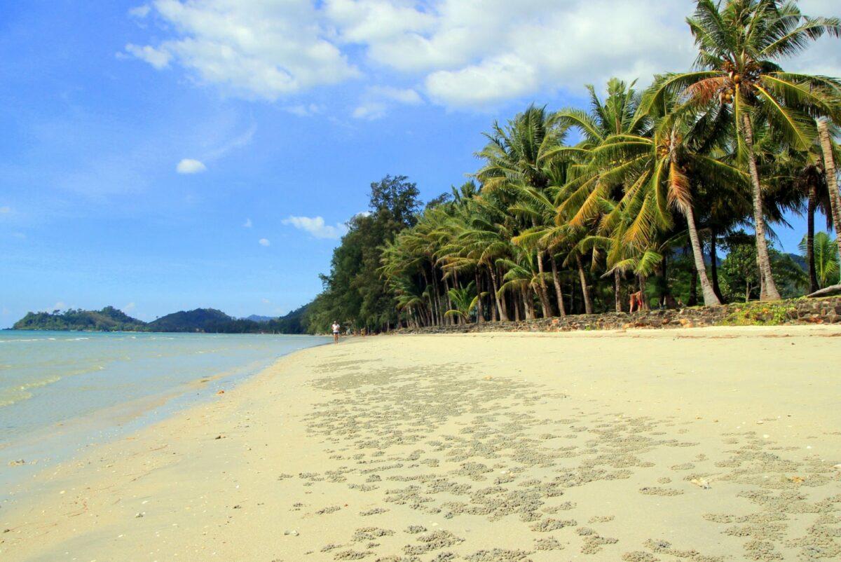 Khlong Phrao Beach ko chang thailand