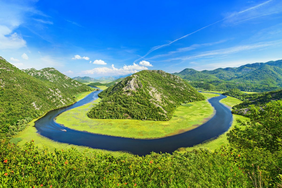 Montenegro skader National Park Canyon of Rijeka Crnojevica river