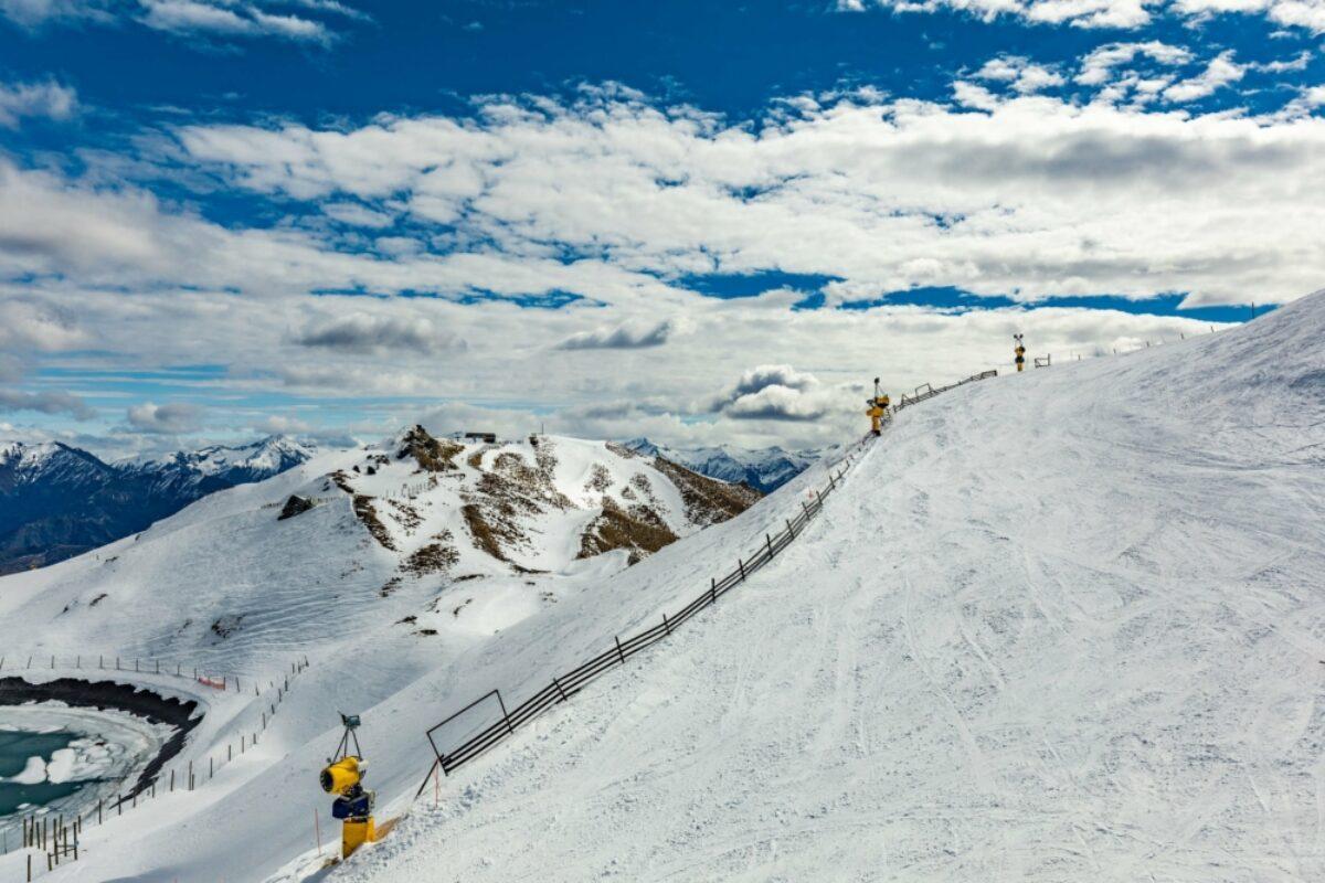 NZ Queenstown Coronet Peak ski resort