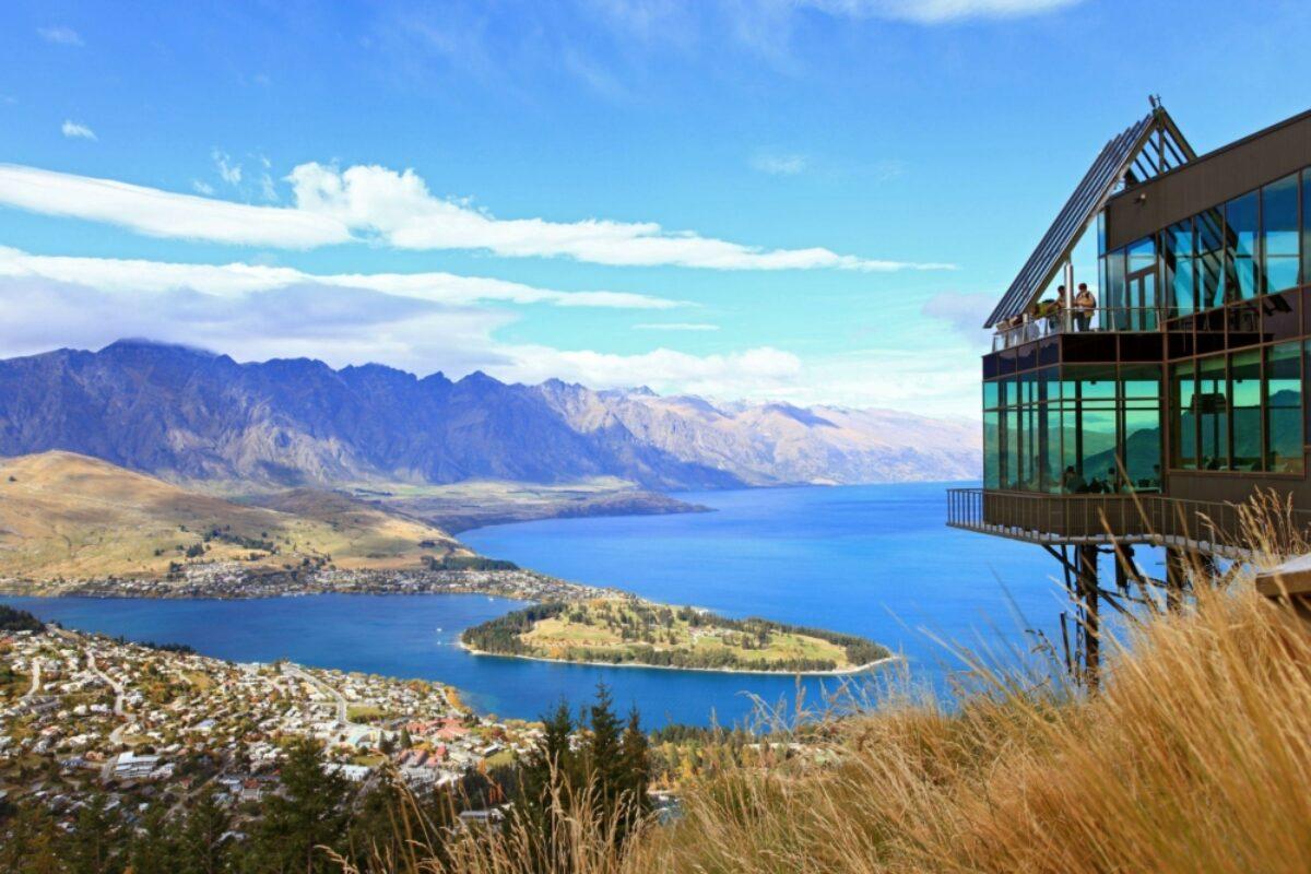 NZ Queenstown lake Wakatipu