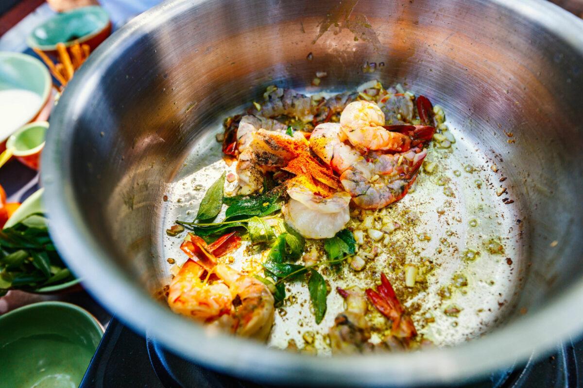 Sri-Lanka_food_prawn-curry