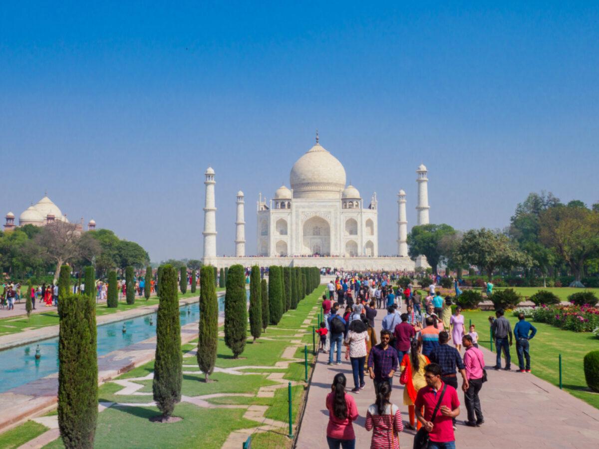 Taj Mahal overcrowding