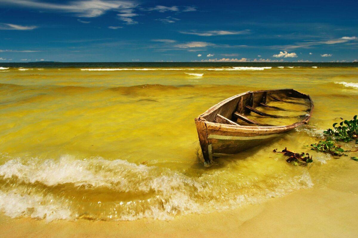 Uganda lake Victoria beach