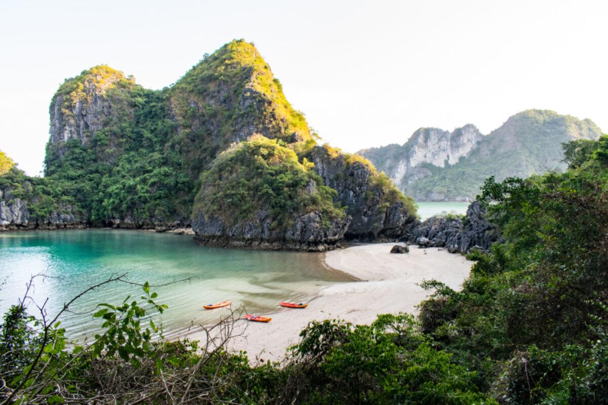 Vietnam_Halong Bay_lowres