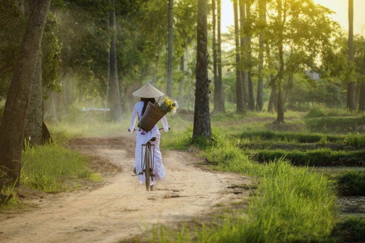 Vietnam Hoian bikewoman