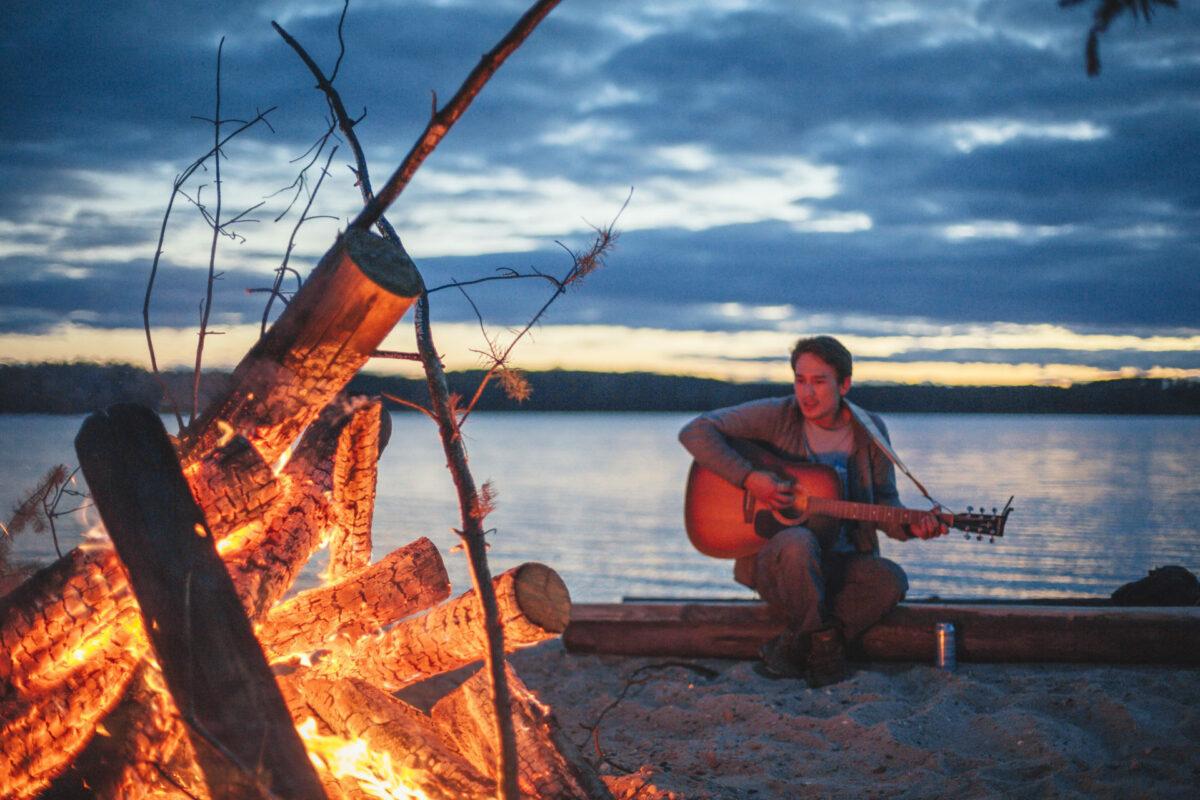 Canada-ontario-campfire