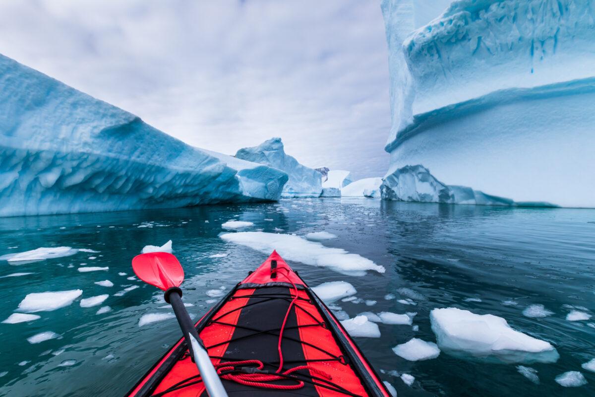 Antarctica_kayaking