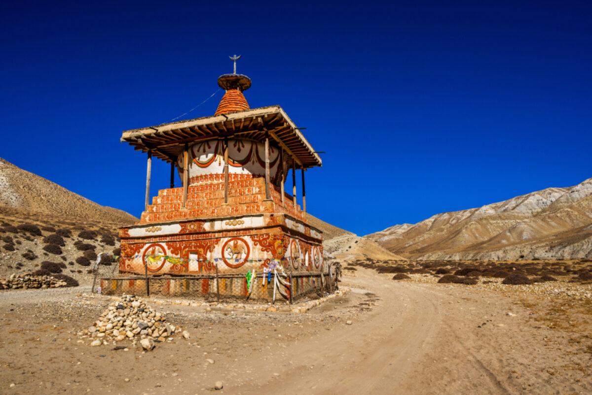 Mustand_shrine