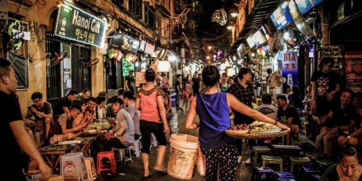 Red Lanters Hanoi